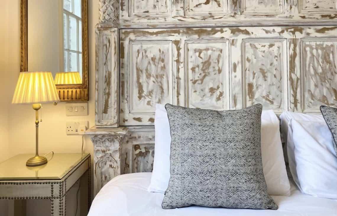 London Budget Airbnbs Hero